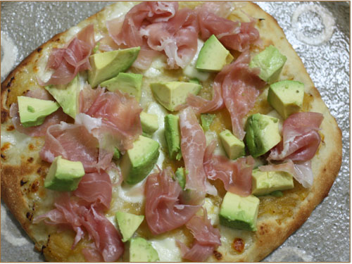 アボカドのピザ (2)