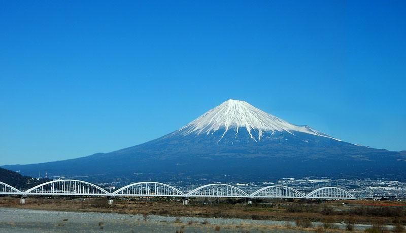富士川鉄橋からの富士山1