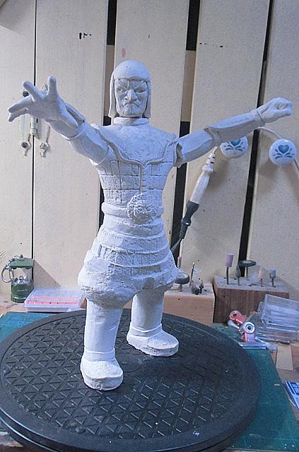 作りかけの魔神像