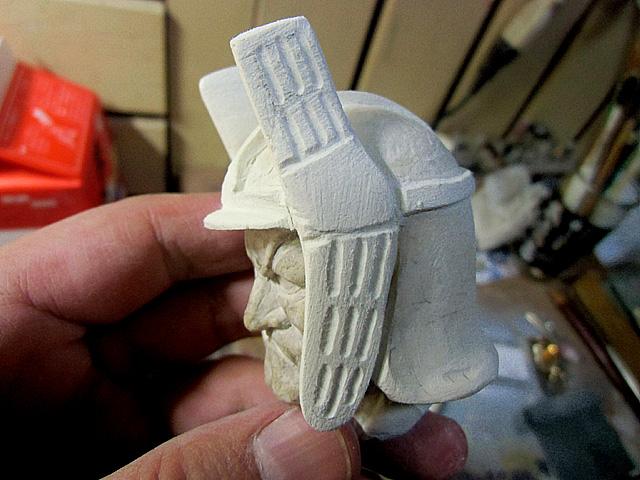3-鍬形の模様を彫る