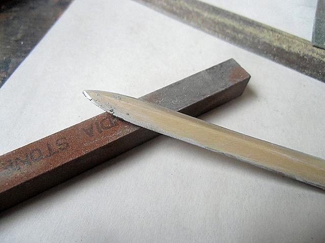 2-ヤスリと砥石で磨く