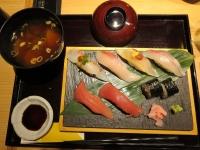 花篭御膳の寿司