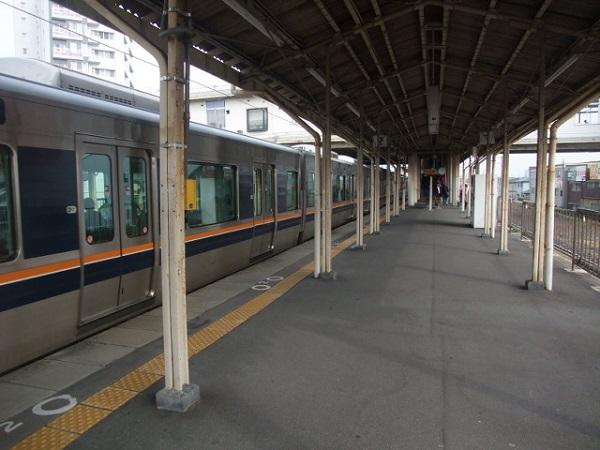 0702JR摂津富田駅で30代女性が人身事故