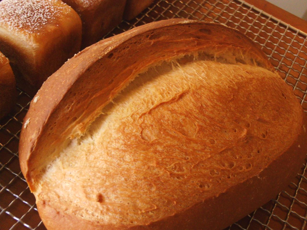 コッペパンと田舎パン 005