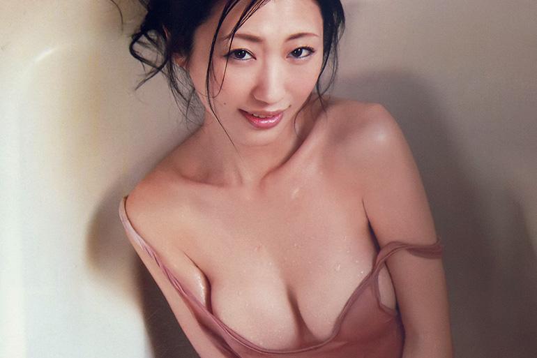 壇蜜姐さんがあいかわらずエロい!ノーブラ、ハミ乳、全裸で悩殺!
