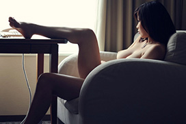 巨乳お姉さんが激しくヨガるセックス画像