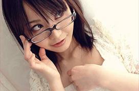 知的なエロスにムラムラしちゃう眼鏡女子画像