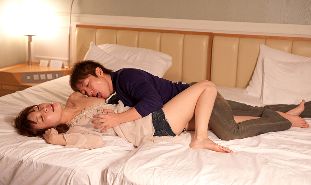 椎名ひかる セックス画像 12