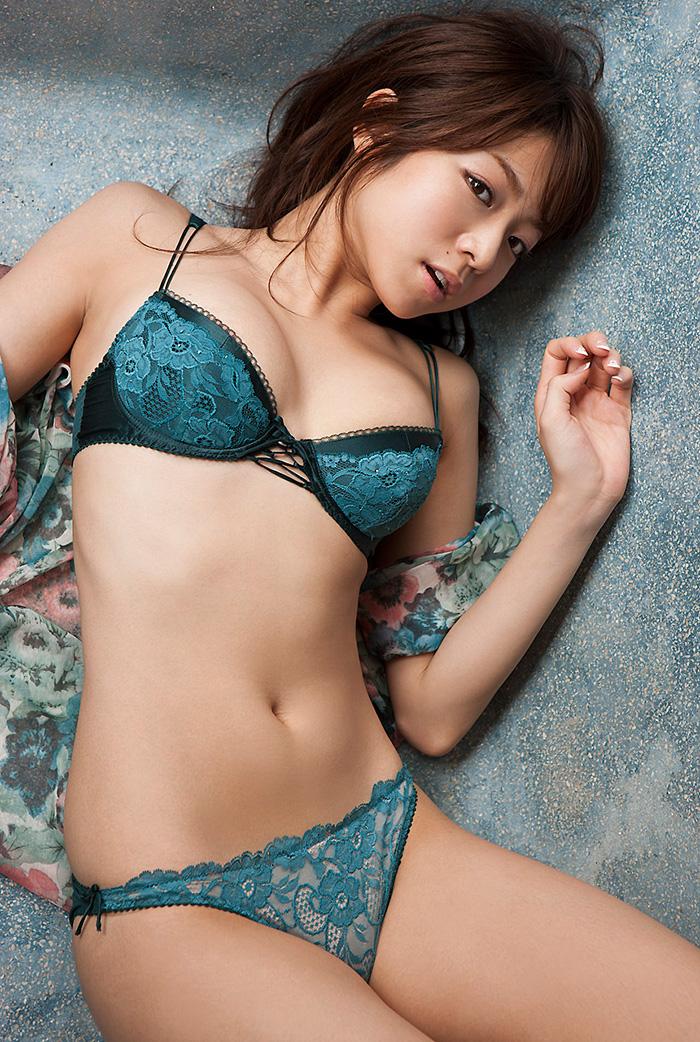 中村静香 画像 28