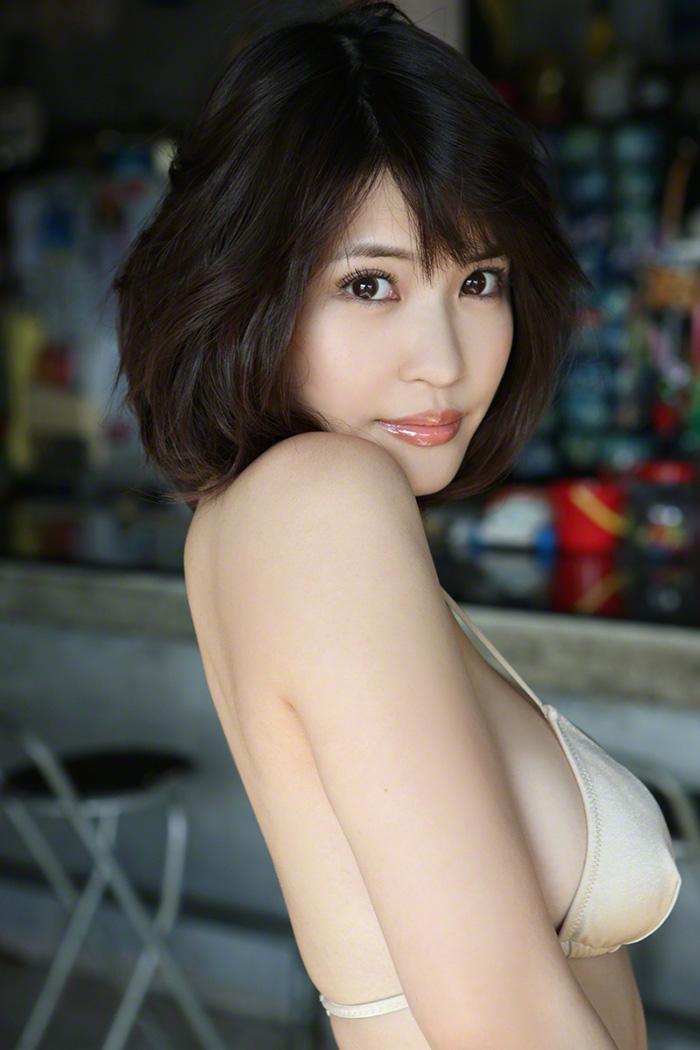 岸明日香 画像 23