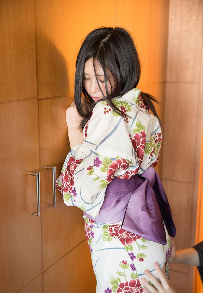平塚麻衣 浴衣 セックス画像 11