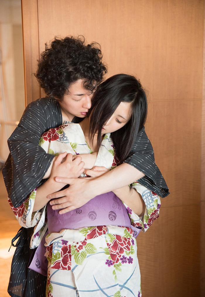 平塚麻衣 浴衣 セックス画像 7