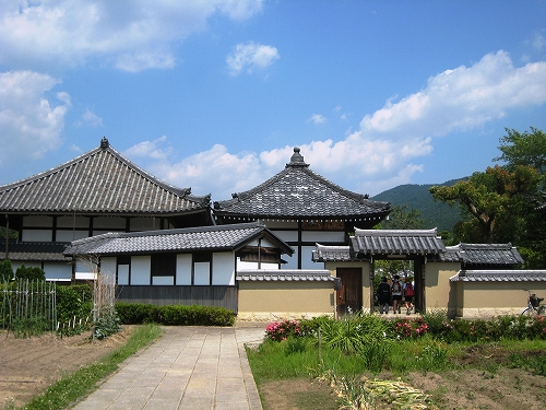 首塚から見る飛鳥寺