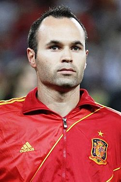 Andrés_Iniesta_Euro_2012_vs_France_01