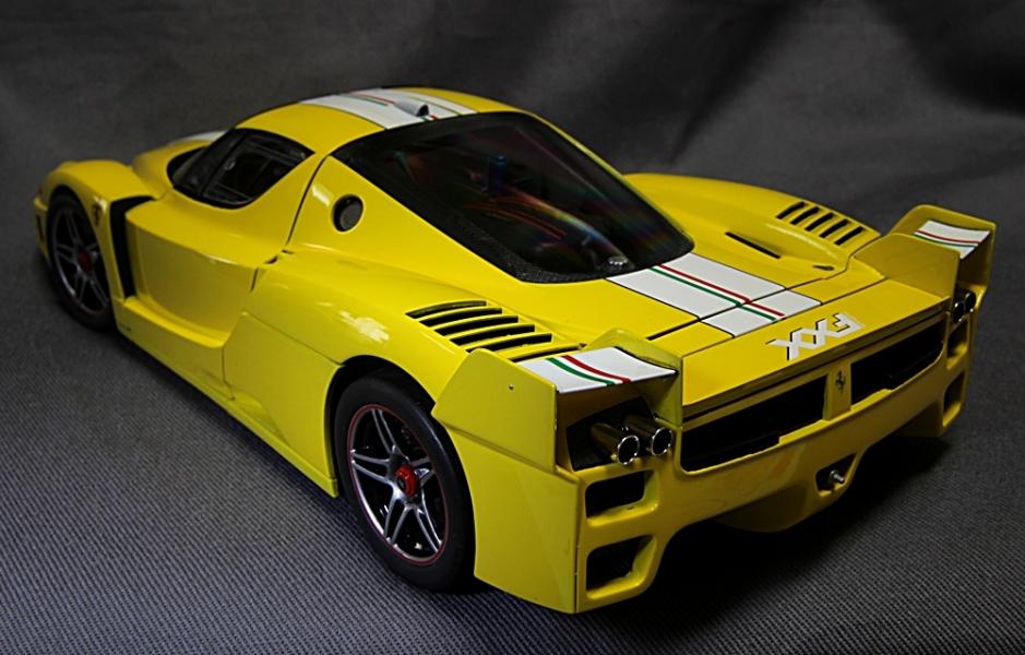 フェラーリFXX-6