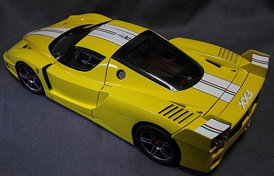 フェラーリFXX-8