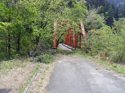 16 閉鎖された橋