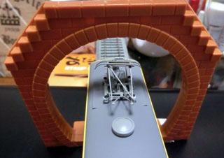 トーマスシリーズ用トンネルをHOゲージで検証