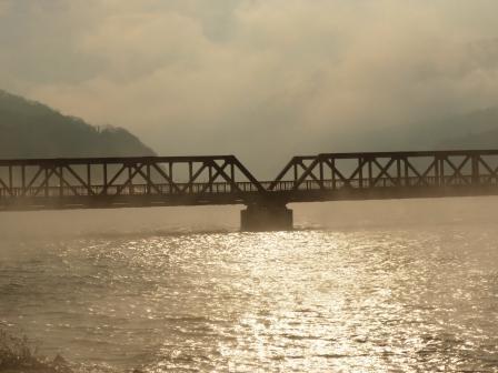 長浜大橋付近から 肱川あらし 2