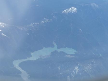 飛行機からの眺め 湖