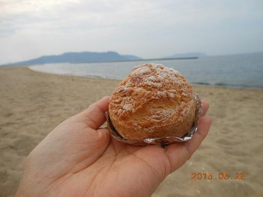 海でシュークリーム♪