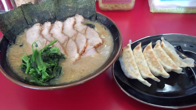 チャーシュー麺中盛り 餃子