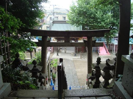 王子稲荷神社表参道