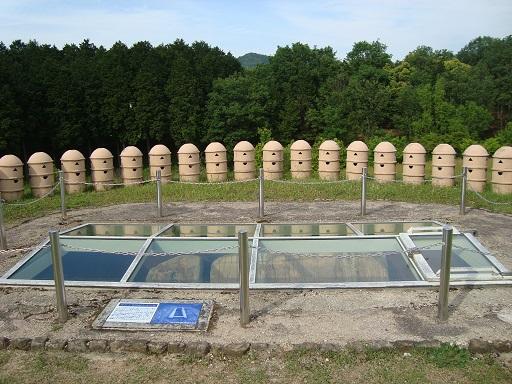 作山1号墳後円部石棺保存施設