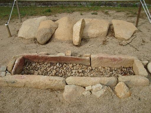 由里1号墳石棺