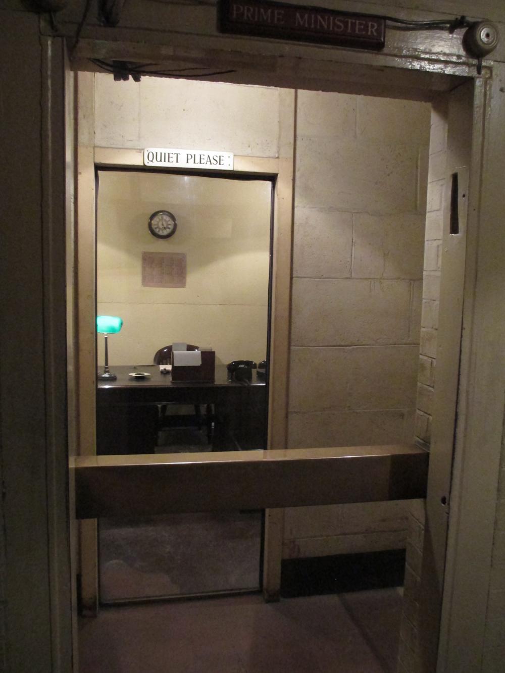 チャーチル戦時内閣執務室 022