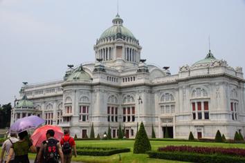 2 国会議事堂