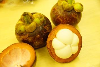 フルーツ マンゴスチン