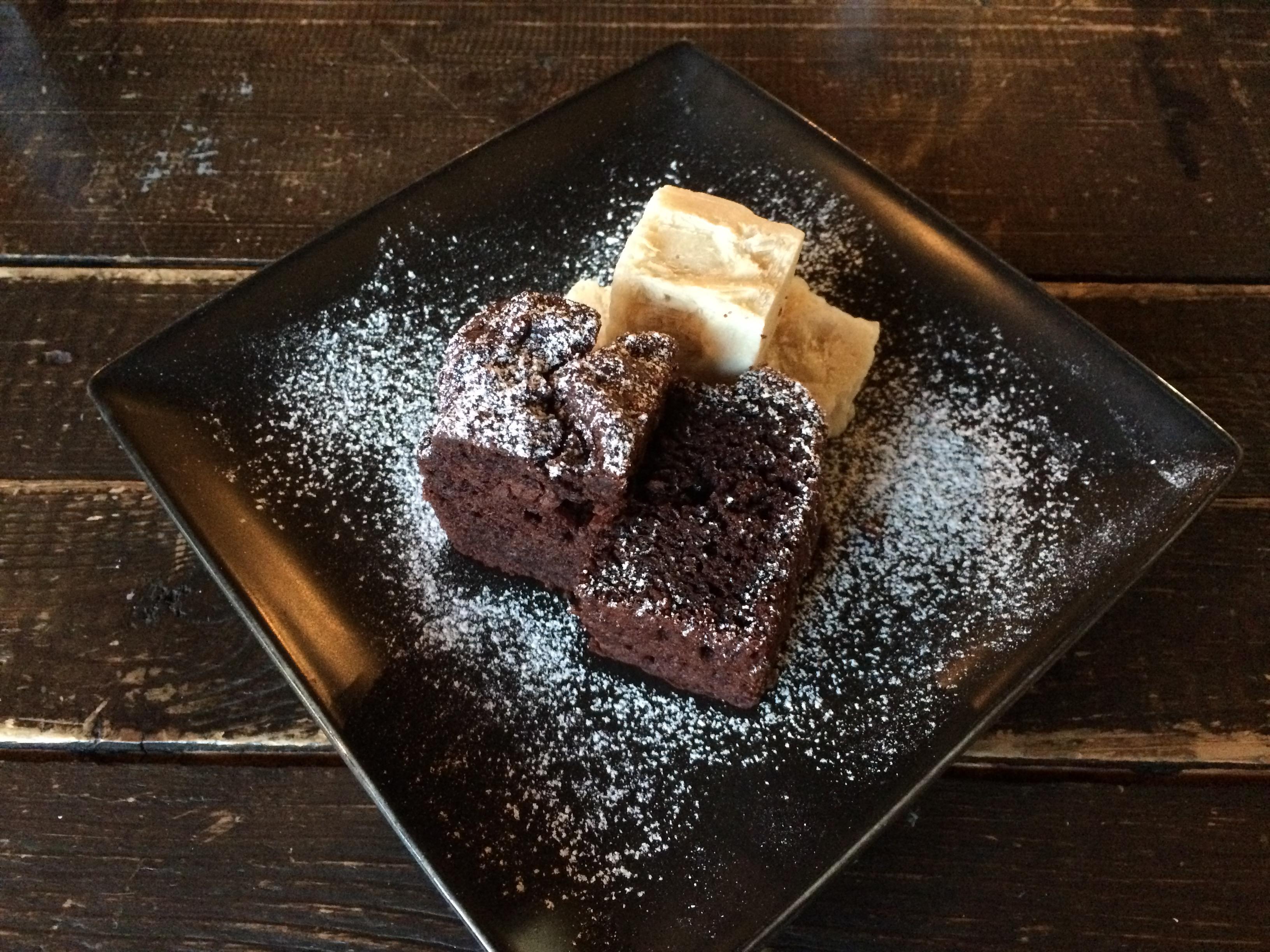cropココアと豆富のケーキ