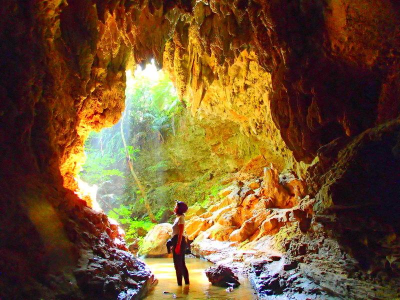 西表島旅行・ケイビング・鍾乳洞探検・KEN GUIDE