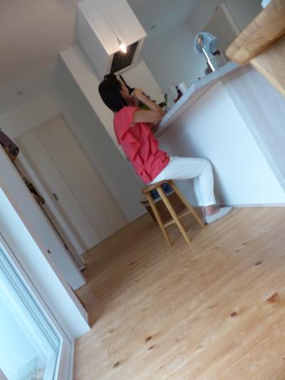 キッチンと私 次男撮影