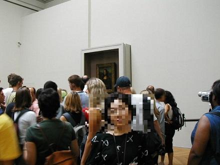 7月30日ルーブル美術館、モナリザは僅か10号程度の大きさ、スリが一杯