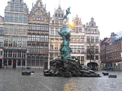 ベルギー市庁舎_2