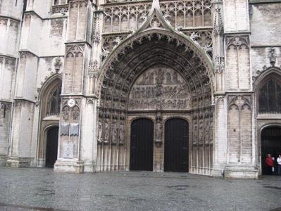 ベルギー大聖堂正面