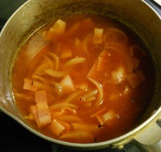 トマトジュースのチキンラーメン3