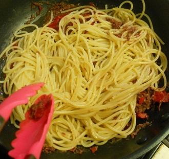 コンビーフと福神漬けのスパゲッティ4