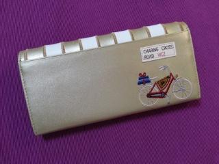 ルル本屋さんの財布裏側
