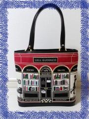 ルルギネスブックショップのバッグ