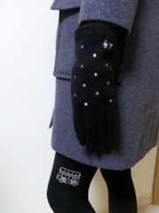 ルルギネスのドット手袋/黒マルチカラー