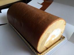 ロールケーキはあまり冷えなくて食べやすいです