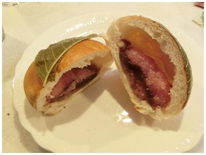 桜餅パン2