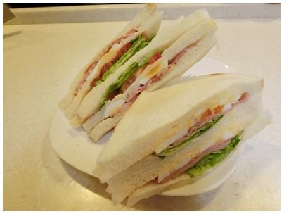 ファミマのサンドイッチ2