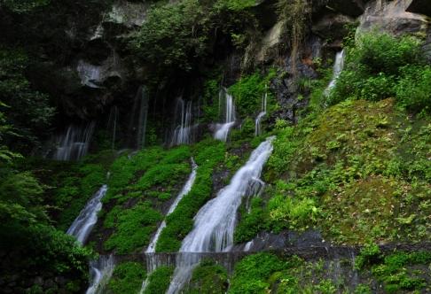 s玉垂れの滝