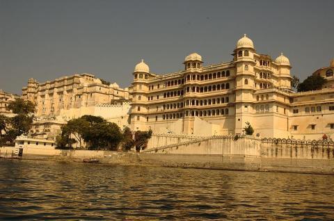 800px-Udaipur-2_convert_20150602070619.jpg