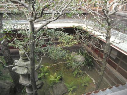 2 みごとな中庭