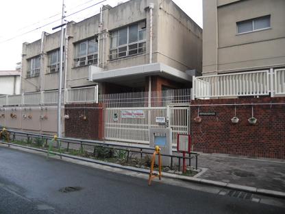 1 萩之茶屋小学校